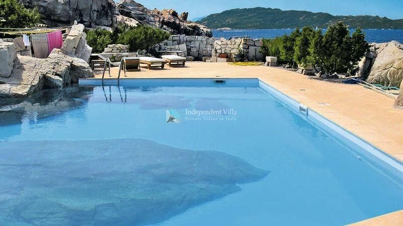 2  Villa la maddalena lux pool