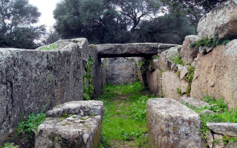 Costa Smeralda Tomba dei Giganti