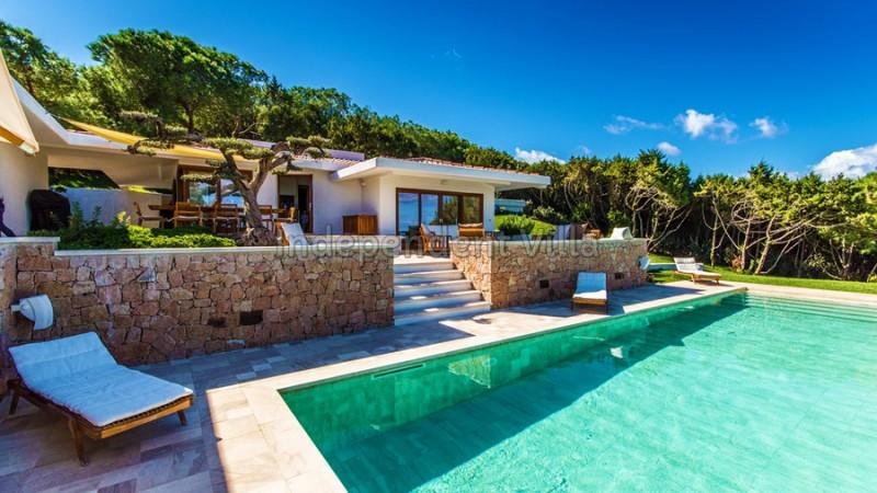 Villa in vendita in sardegna jacuzzi sauna piscina a for Case california in vendita con piscina