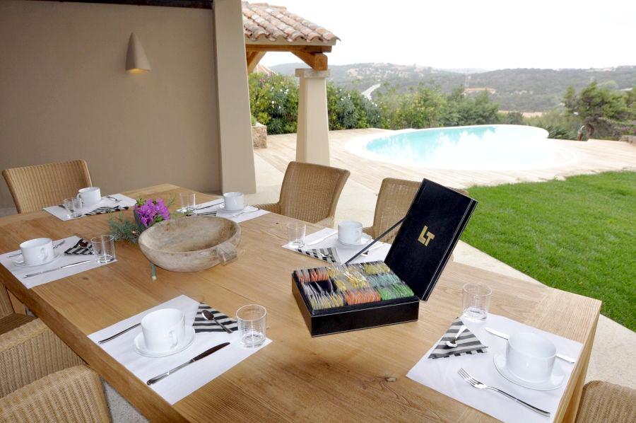 12 Villa barone outside dining area