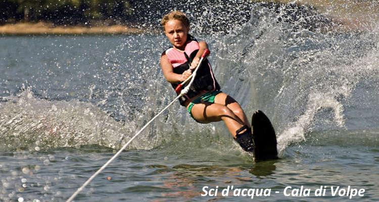 Sport in Costa smeralda sci d'acqua cala di volpe