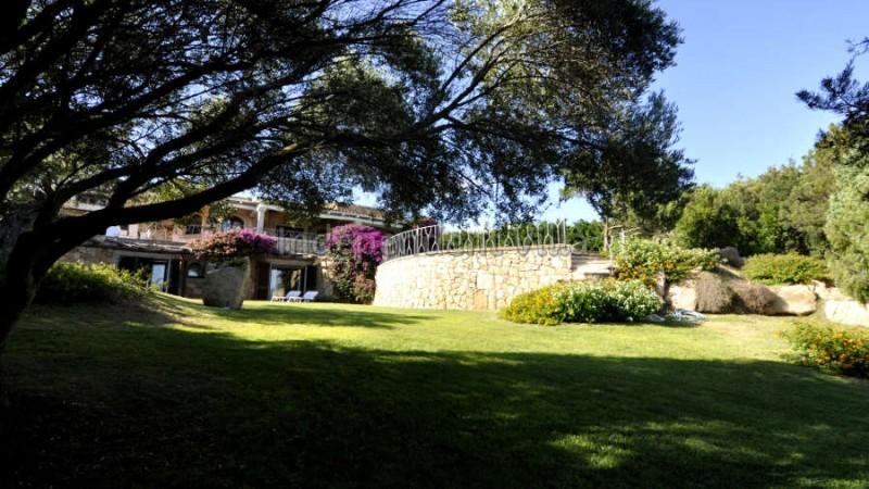 08 Le ville del Pevero Lux garden