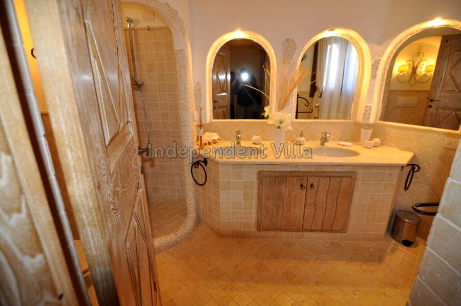 30 Le ville del Pevero Lux bathroom