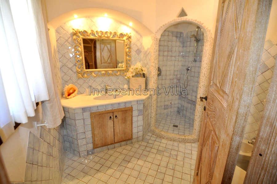 31 Le ville del Pevero Lux bathroom