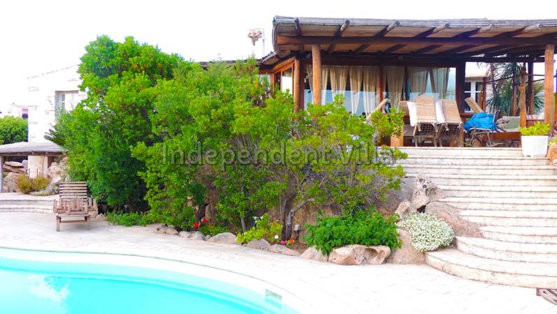 Villa la miss lux baia sardinia porto cervo for Arredi ville