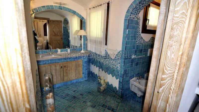 33 Le ville del Pevero Lux bathroom