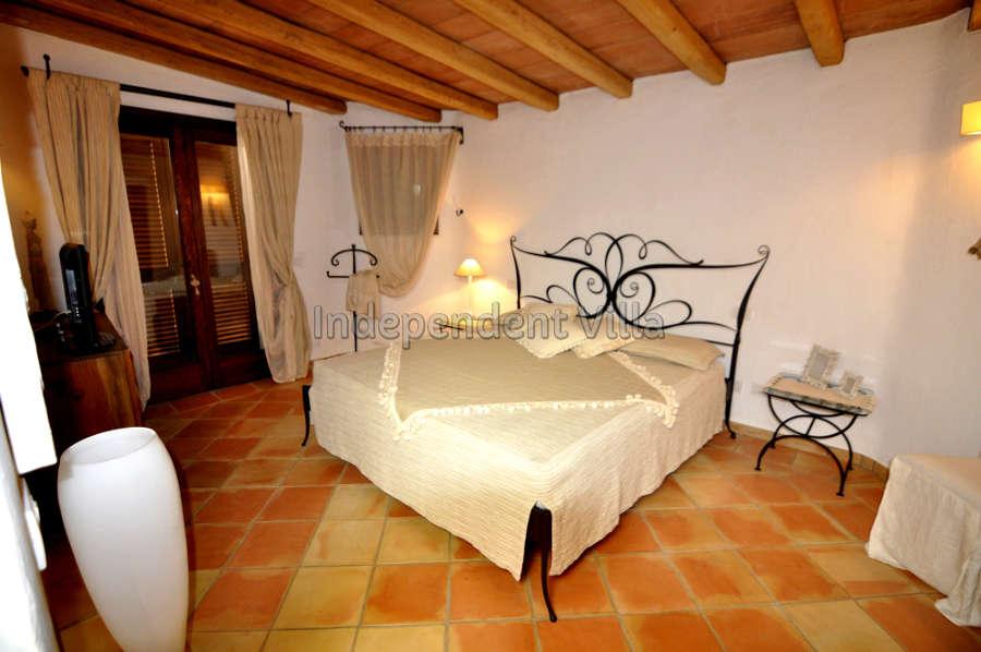 41 b Le ville del Pevero Lux small villa bedroom