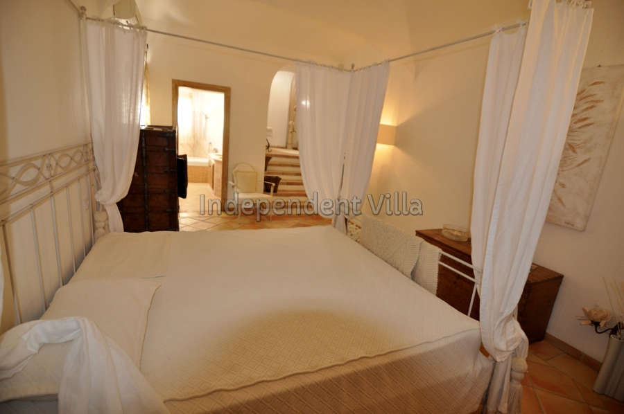 42 Le ville del Pevero Lux small villa bedroom