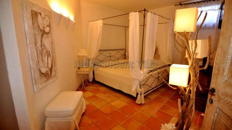 48 Le ville del Pevero Lux small villa bedroom