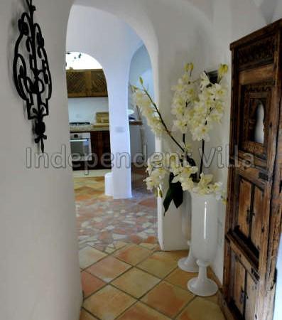 58 Le ville del Pevero Lux small villa kitchen