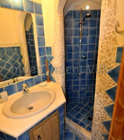62 Le ville del Pevero Lux small villa bathroom