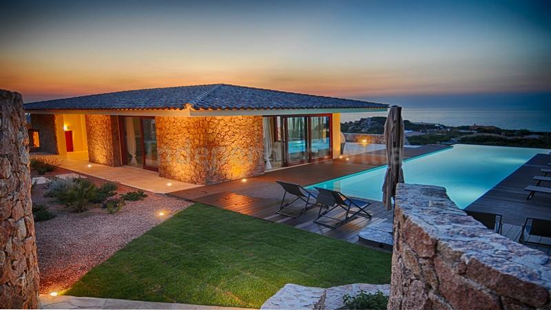 Villa portobello lux piscina privata a 150 metri dal mare - Ville in affitto al mare con piscina ...