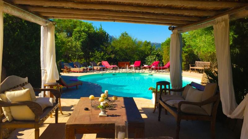 Villa la miss lux baia sardinia porto cervo for Arredi costa smeralda