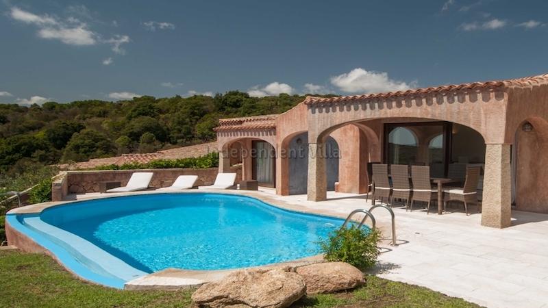 Villa maria rosa lux costa smeralda con piscina esclusiva - Ville con piscina in vendita ...